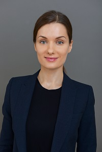Dr Andrea Behrends